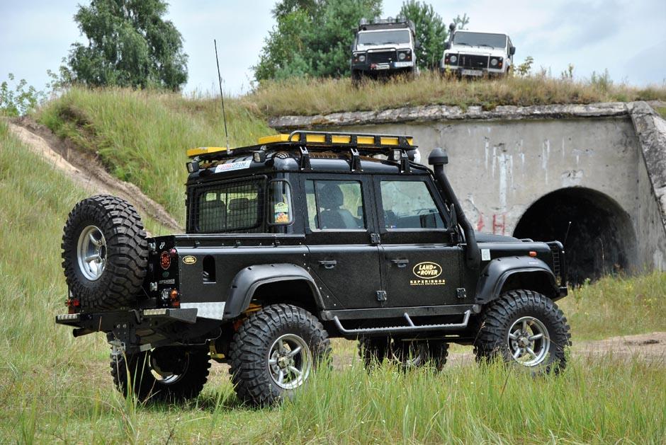 Defender 110 td4 czarny
